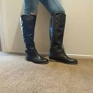 Naturalized Brown Boots